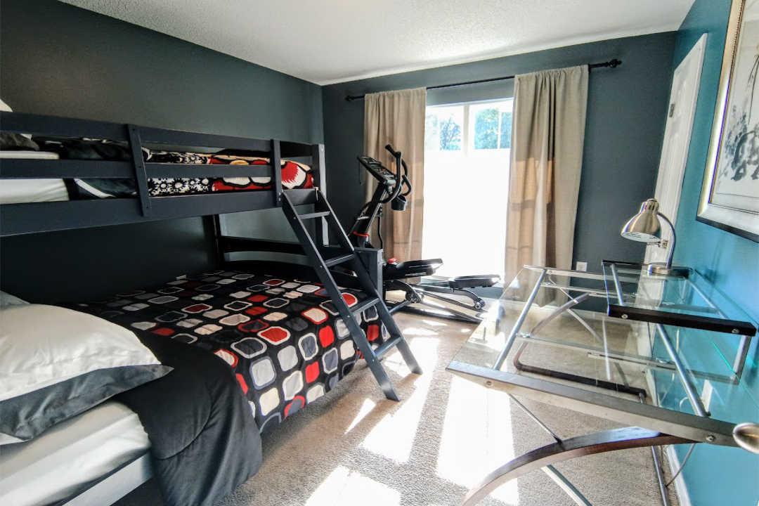 Gray Room op